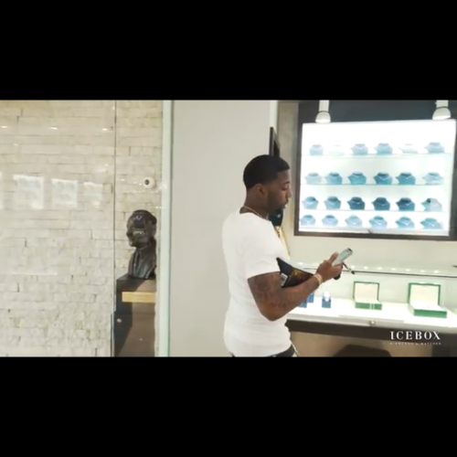 Yfn Lucci comes through to buy jewelry from Icebox